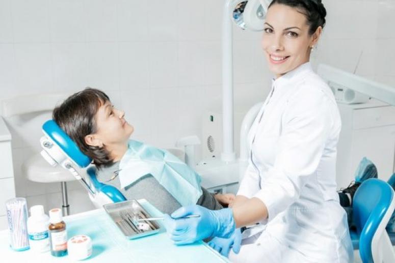 Лечение зубов в стоматологии: достоинства