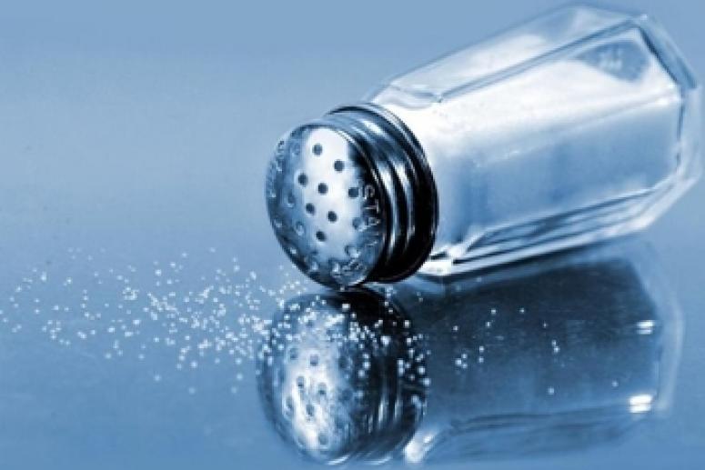 Здоровое питание: так ли полезна еда без соли и специй?